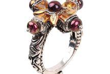 Vintage Jewelry / by Ven Santos