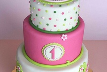 Birthday cakes first year for girl