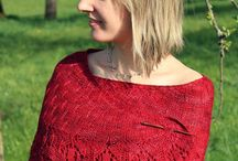 Knitting in Red / Capi e accessori in rosso