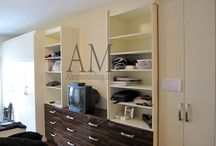 Custom Closets Organizer / Custom Closets Organizer, Walk-In Closets, Reach-In Closets, Modern Family Room Closets, Living Room Classic Closets