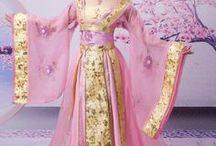 Kimonos :$