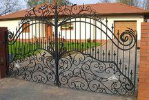 Bramy Ogrodzenia Balustrady Kute / Montaż i Produkcja bram ogrodzeń balustrad to najlepsza oferta firmy. www.ogrodzenia-kute.pl