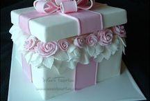 tort prezent szkatułka pudełko