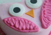 Cakes / by Kandi Kuykendall