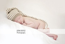 Lifestyle and Newborn Photo Inspiration / by Erica Velasco