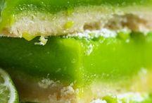 zielony słodki stół