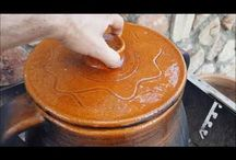Cocina con olla de barro
