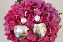 I adore jewelry / Handmade jewelry , trendy jewelry , beautiful jewelry , original jewelry , all about jewelry , because women love jewelry. Work with us to make the bulletin board full of followers who love jewelry