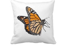 Lively Monarch Butterfly / by Butterflies Are Blooming