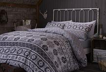 """""""OSLO"""" / Jogo saco em algodão estampado reversível para adicionar um toque contemporâneo ao seu quarto."""