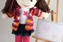 Dolls, Doll clothing and accessories