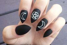 goth things