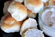 BREADS & ROLLS / by Mary Lois Rowe-Bryant