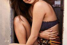Selena Gomez / Rinos