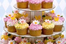 Cupcakes / by MariaElena Sandoval
