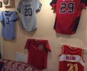 Atlanta Hawks / Create a jersey wall of fame using the Ultra Mount jersey display hanger!