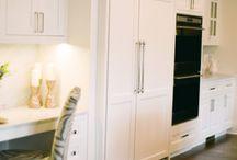 Kitchen fridge built in