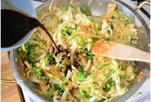 Soups, Chowders & Chili / Delicious soup recipes, chicken noodle soup, potato soup, tomato soup, chili, chowder