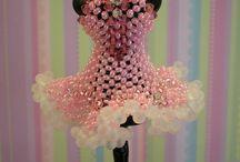 Šaty z korálků