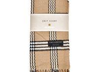 Sjaals / Op dit bord zie je een overzicht van sjaals die worden verkocht op overhemd24.nl