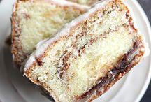 cinnamon rolls pound cake