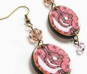 Snowflake Jewelry / Great DIYs and Inspiration! Find snowflake jewelry supplies at www.eCrafty.com