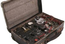 WW2 French Resistance / SOE Suitcase Radio
