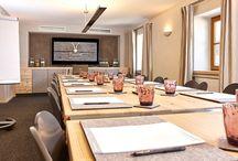 EVENTS & MEETINGS / Unsere drei Veranstaltungsräume bieten eine einzigartige Location für besondere Anlässe oder produktive Tagungen. ~  Our three meeting rooms offer a unique location for special occasions or productive meetings .