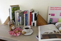 2014.4月 / 私の極楽空間「本屋さん」 コーヒーのいい香りが漂う店内で お気に入りの本との出会いを楽しむひととき
