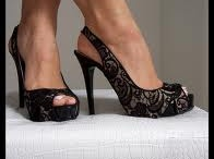 Fashion & Shoes/Gems & Jewels / by Aurora Page