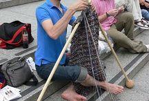mezczyzni robią na drutach