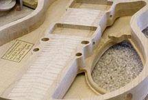 Semi hollow body guitars