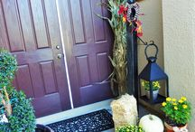 DIY Welcome Sign Post / Create a easy and simple welcome sign post for your front porch.