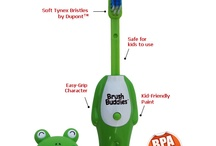 Poppin' Toothbrushes / Brush Buddies PoppinTM makes brushing fun! Press the belly button and the brush pops up. All 5 fun characters come with soft bristles, which are gentle on children's gums.
