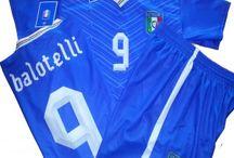 Kit Calcio / Kit maglie da calcio, tutte le taglie e di varie squadre, personalizzate o neutre