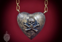 Puffy heart pendant charm - Victorian Necklace with heart and skull crossbone pendant / https://www.etsy.com/listing/127968449/puffy-heart-pendant-charm-victorian?  Fashion victorian chain necklace entirely hand made using aged brass and epoxy resin . The Puffy heart was made in epoxy resin  Heart Size: 1,57 X 1,57 X 1 Chain lenght: 2 feet