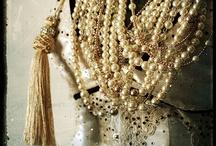 Pearls helmiä / Pearls helmiä