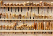 Резьба по дереву: мастерская и инструменты