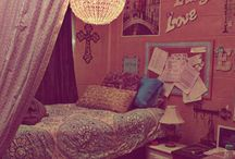 Dorm Ideas / by Daisy Park