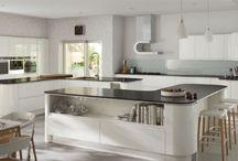 White kitchens / Selection of white kitchen designs - http://www.unitsonline.co.uk/white-kitchens