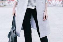 グレーのレディースファッションコーデ