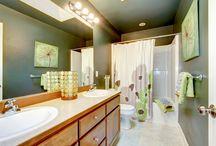 Latex muurverf / Latex muurverf kan op verschillende3 oppervlakten gebruikt worden. Latex kan bijvoorbeeld op plafonds gebruikt worden maar ook in keukens op badkamers.