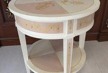 Round Side Table / Classic round side table inlay in lemon wood, maple and beech wood