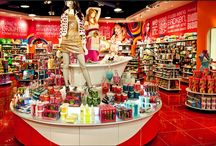 IT'SUGAR: The Sweetest store in town! / Denver Pavilions is happy to welcome IT'SUGAR to Colorado and the Denver Pavilions shopping mall! We anxiously await the opening of this more than just candy store! / by Denver Pavilions
