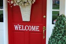 Entry's that sell houses / Home decor, home selling, staging tips & tricks, real estate, entrance sets the tone,  They say a buyer decides in the first 90 seconds if they will buy your home. Your entrance is your first opportunity to make that all important first impression.
