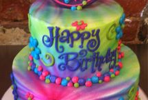 Cakes cool