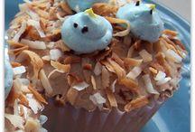 cupcakes / by Maddie Krotec
