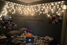 Bedroom Ideas! / by Jesakah Orchard