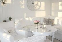 WHITE ROOMS and PAINT COLORS