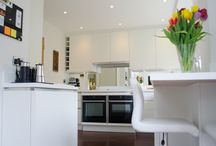 The minimalist kitchen / A bright white minimum colour palette and clever design came together to create this stylish and functional designer kitchen.